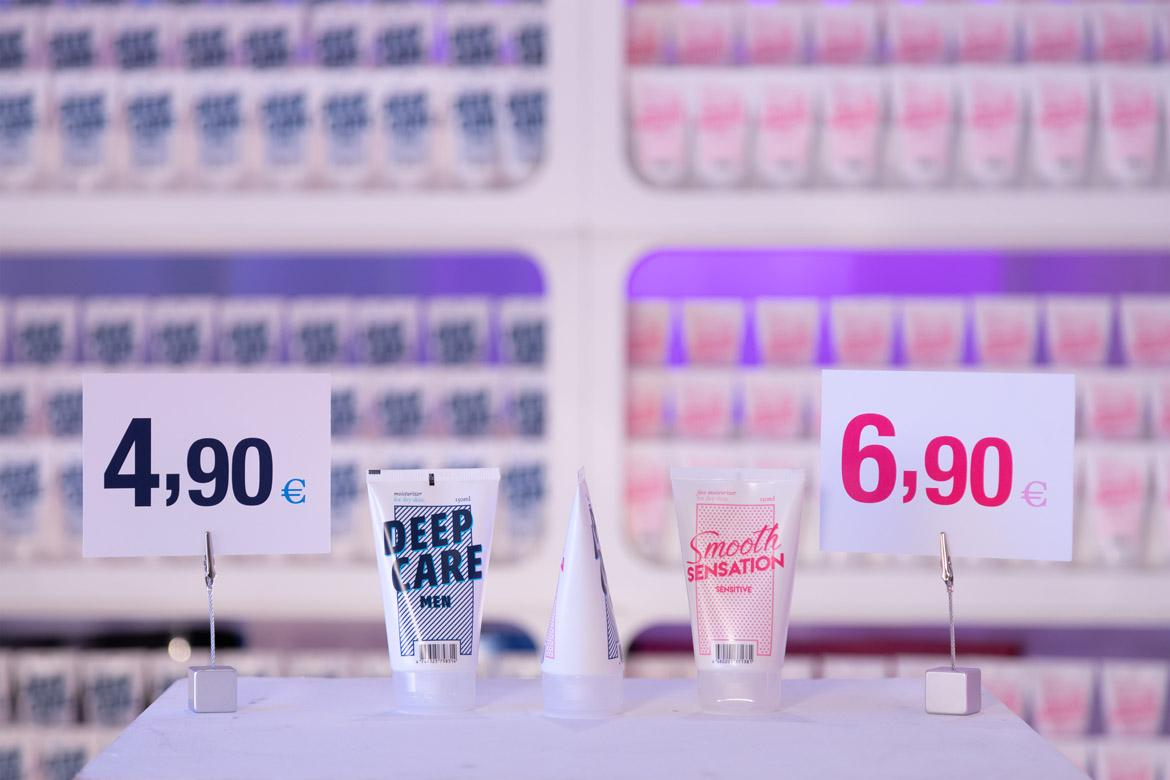 Pink Tax: Equalicare Deep Care + Smooth Sensation in Pop-up-Boutique (1170)